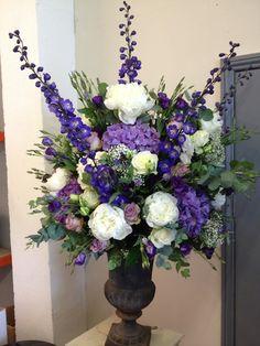 Purple Flower Arrangements, Funeral Floral Arrangements, Floral Bouquets, Alter Flowers, Silk Flowers, Deco Floral, Arte Floral, Ikebana, Funeral Flowers