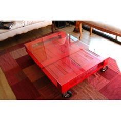 Une table basse en palettes-- Palette into coffee table
