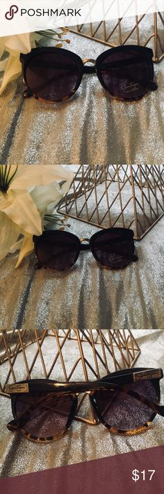 NWT- Jessica Simpson Tortoise Shell Sunglasses These are a Beautiful style with black and tortoise shell frames. Jessica Simpson Accessories Glasses