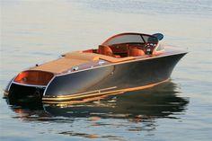 Bilderesultat for classic boats Yacht Design, Boat Design, Course Vintage, Bateau Yacht, Yatch Boat, Wooden Speed Boats, Classic Wooden Boats, Classic Boat, Modern Classic