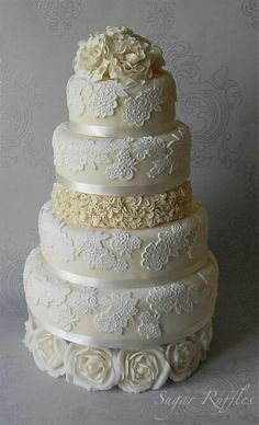 beautiful wedding cake decoration