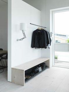 idée déco de maison avec petit meuble d'entrée moderne
