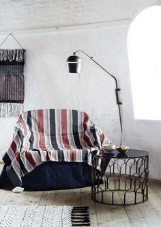 Madam Stltz – Stolik okrągły Wardrobe Rack, Magazine Rack, Throw Pillows, Cabinet, Storage, Bed, Furniture, Home Decor, Products