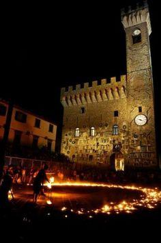 Toscana: Un #tuffo nel #passato a Scarperia: dame cavalieri buon cibo e vino (link: http://ift.tt/2bSbMdD )