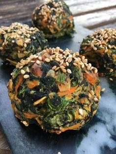 denne gang med spinat (som man jo bliver bom-stærk af ), og har derfor f Low Carb Recipes, Vegetarian Recipes, Snack Recipes, Cooking Recipes, Healthy Recipes, Danish Food, Fodmap, Recipes From Heaven, Vegan Life