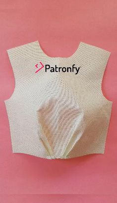 Dress Patterns, Sewing Patterns, Fashion Infographic, Bodice Pattern, Fashion Videos, Block Design, Pattern Cutting, Diy And Crafts, Crop Tops