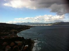 Windy and scattered clouds near messina! Nice Shot enzo!