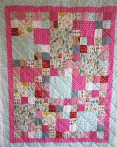 Busy Bee - a commission quilt by Adaliza Busy Bee, Little Houses, Quilts, Blanket, Fabric, Scrappy Quilts, Tejido, Tiny Houses, Tela