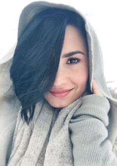 Repost from @ddlovato: Hmm..... I wonder where this pic is from........☺️ Happy #FreshFaceFriday #FFF everybody!!! Show me your pretty fresh faces today.. This was mine in the snow not long ago... I kept my skin hydrated with my Hydrating Radiance Mist and my 3 in 1 Moisturizing Primer!! ❄️❄️ Get yours at www.devonnebydemi.com