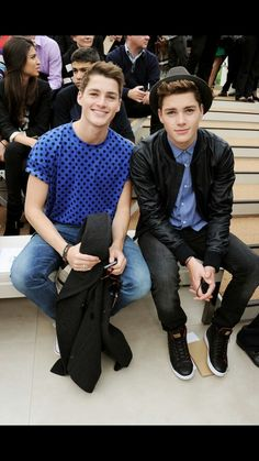 Sorry I'm a little obsessed. Finn and Jack Harries ♥