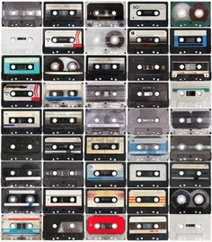 Cassettebandjes, jaren 80. Muziek opnemen van de radio, daar kon ik uren mee bezig zijn.