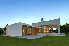Detached House, maison sur l'île de Zante en Grèce par Katerina Valsamaki - Journal du Design