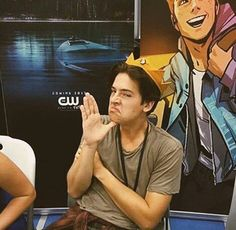 cole sprouse, riverdale, and jughead jones image Dylan Sprouse, Cole M Sprouse, Sprouse Bros, Cole Sprouse Funny, Cole Sprouse Jughead, Kj Apa Riverdale, Riverdale Funny, Riverdale Archie, Riverdale Memes