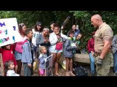 Dwayne Johnson Meet His Funs On The Set Of Jumanji 2 2017