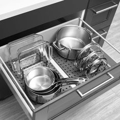 Buy the Kitchen Drawer Organiser - Peggy from Umbra today! A part of our Cupboard & Drawer Organisers range. Kitchen Pantry Design, Kitchen Tops, Kitchen Cupboards, Diy Kitchen, Kitchen Pull Out Drawers, Clever Kitchen Ideas, Kitchen Cupboard Storage, Clever Kitchen Storage, Messy Kitchen