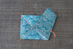Mobile d'étoiles en origami - Dans les boîtes d'Eliaure... Decoration, Xmas, Tableware, Star Mobile, Paper Mobile, Bricolage Noel, Greeting Card, Christmas, Decor