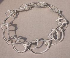 """Luis ACOSTA - collar de hilo de papel, serie """"Quipus"""" / paper thread necklace, serie """"Quipus"""" / 2012"""