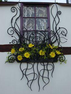 Bex Simon blacksmith artist window boxes