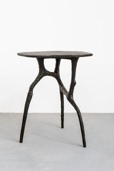Charles Trevelyan, Stance (dark grey) (2013), Patinated bronze.