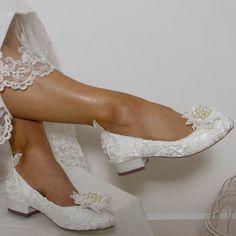 Ballerines de mariée avec petit talon Chaussure Mariee Petit Talon, Chaussure  Mariage Ivoire, Petite 644a5ae5c096