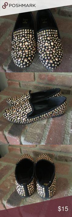 Women's flats. Beautiful studded flats.  Comfy. Shoe Dazzle Shoes Flats & Loafers