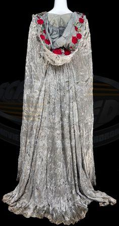 sleepy hollow katrina van tassel silver cloak