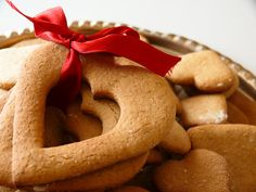 Cinnamon-Scented Shortbread Cookies #holiday #recipe