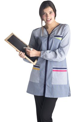 € 30,60 - Bata Educación Infantil. Modelo pespunte. Referencia: BA9410.Hasta fin de existencias: disponible en talla P. Scrubs Uniform, Medical Scrubs, Smocking, Apron, Teacher, Glamour, Costumes, Lady, Blouse