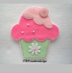 Cupcake Big Felt Applique (Mint Green Bottom) によく似た商品を Etsy で探す