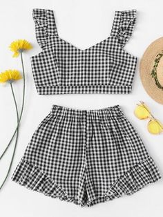 Ruffle Hem Gingham Crop Top With Shorts SetFor Women-romwe Really Cute Outfits, Cute Girl Outfits, Cute Summer Outfits, Cute Casual Outfits, Outfits For Teens, Stylish Outfits, Girls Fashion Clothes, Summer Fashion Outfits, Teen Fashion