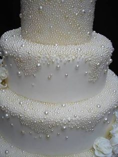 Cake decorating Gear: whenever you're decorating for birthdays and the holidays, you do not require each cake decorating tool on the market, however, you need a few fundamentals. Listed here are essential for cake decorating. White Wedding Cakes, Beautiful Wedding Cakes, Gorgeous Cakes, Pretty Cakes, Amazing Cakes, Dream Wedding, Gorgeous Gorgeous, Wedding Cake Pearls, Cake Wedding