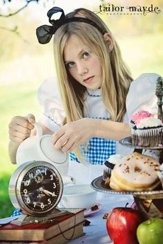 Alice in Wonderland, photography, child, theme, photo shoot, session, tea party