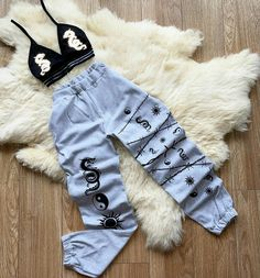 Swag Outfits For Girls, Cute Swag Outfits, Girls Fashion Clothes, Teen Fashion Outfits, Retro Outfits, Baddie Outfits Casual, Stylish Outfits, Tomboy Fashion, Cool Shirts