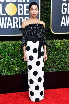 The Golden Globes 2020 fashion includes red carpet dresses from Jennifer Aniston, Reese Witherspoon and Taylor Swift. See the best dressed at the 2020 Golden Globes. Zoe Kravitz, Ellen Degeneres, Jennifer Aniston, Jennifer Lopez, Ricky Gervais, Kirsten Dunst, Reese Witherspoon, Michelle Williams, Golden Globe Award
