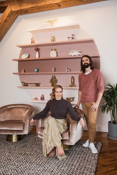 """The co-creator of """"This Is Why You're Single"""" shares a renovated Brooklyn apartment with artist Nic Rad. Room Colors, House Colors, Earthy Bedroom, Craftsman Interior, Disney Rooms, Boho Room, Aesthetic Room Decor, Home Decor Furniture, Colorful Interiors"""