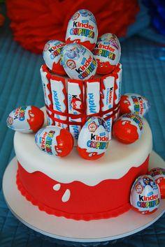Tort z Kinder Niespodzianek! Marzenie! Bo w każdym z nas jest coś z dziecka <3 <3 <3