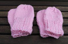 Knitted Hats, Winter Hats, Diy, Knitting Ideas, Fashion, Moda, Bricolage, Fashion Styles, Do It Yourself