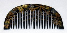 Kushi - Floral Hair Comb. Carved, Hand-Painted and Maki-e Lacquered Wood. Edo Period.