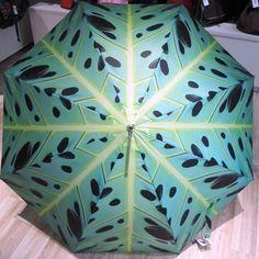 Automatik-Regenschirm erhältlich bei Kirsches Taschen und mehr...! in Bad Vöslau! Bad Vöslau, Plant Leaves, Plants, Umbrellas, Dime Bags, Flora, Plant, Planting