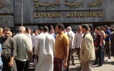 """الحالمون بالعودة لـ #ليبيا: """"هنا بنموت ببلاش .. وهناك بنموت بفلوس""""  #مصر_العربية"""