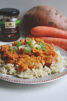 Rezept: Süßkartoffel-Erdnusscurry mit Möhren