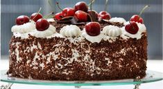 Black Forest Cake is a wonderful example of German baking tradition. Enjoy the recipe of Schwarzwälder Kirschtorte! Baking Recipes, Cake Recipes, Dessert Recipes, Bread Recipes, Food Cakes, Cupcake Cakes, Cupcakes, German Baking, German Cake