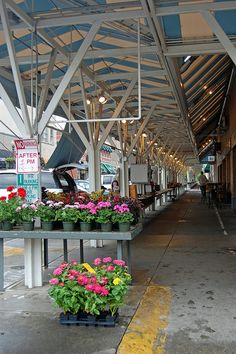 The Historic #Roanoke Farmers Market is open with beautiful veggies, herbs and flowers for the garden. #Rke