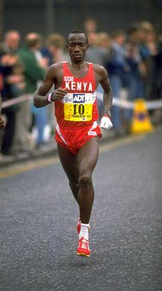 Douglas Wakiihuri (nacido el 26 de septiembre 1963 en Mombasa) es un ex keniano larga distancia del corredor, que ganó la medalla de oro en el maratón en los Campeonatos del Mundo de Atletismo de 1987 en Roma.