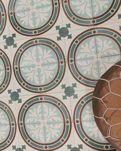Inspirasjon - Marokkanske fliser - Historiske fliser - vakrefliser.no Decorative Plates, Tableware, Instagram, Home Decor, Dinnerware, Decoration Home, Room Decor, Tablewares, Dishes