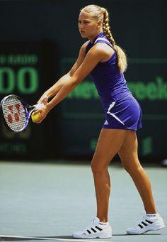 Tennis Wear, Tennis Dress, Tennis Clothes, Sport Tennis, Play Tennis, Looks Academia, Cristiano Ronaldo, Professional Tennis Players, Tennis Players Female