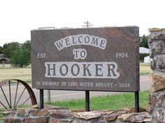 Hooker, Oklahoma, USA - Yes ya'll, there really is a town called Hooker. Funny Town Names, Odd Names, Hack My Life, Impractical Jokers, Best Clips, Fun Signs, Street Names, Street Signs, Wtf Funny