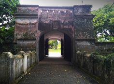 Low and behold the Fort Gate! *drums roll...* This structure has been well maintain and preserved in its historical form. There are two roles of heavy rusty iron door gates which may be actually used to prevent enemies from entering in the past.