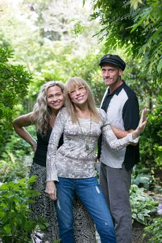 Carly Simon with her children Sally and Ben Taylor.