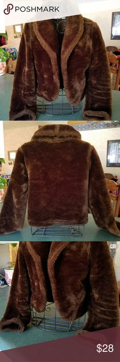 GAS CO Faux Fur Crop Cozy, chocolate color faux crop.  Super cute abbr PERFECT for Autumn nights out on the town! EUC. Firm. Great American Sportswear Co. Jackets & Coats